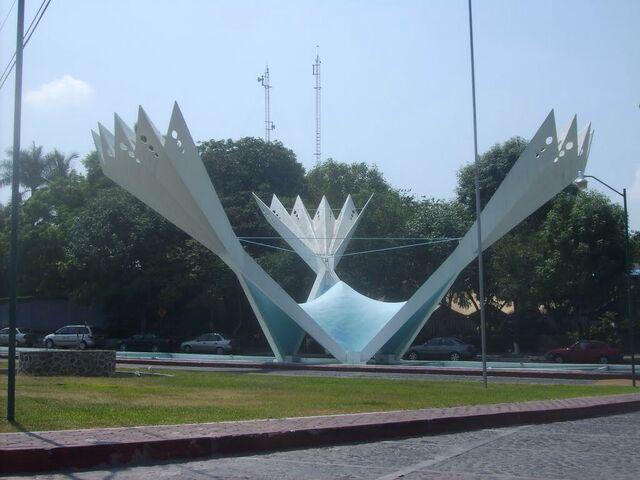 File:RealWorld Los Abanicos Square.jpg