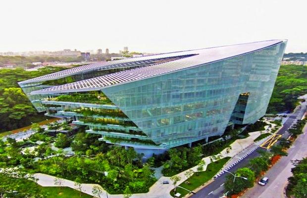 File:Sandcrawler headquarters for Lucasfilm Singapore.jpg
