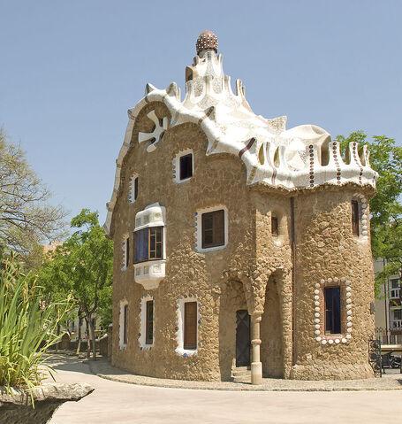 File:RealWorld Gaudi Gingerbread House.jpg