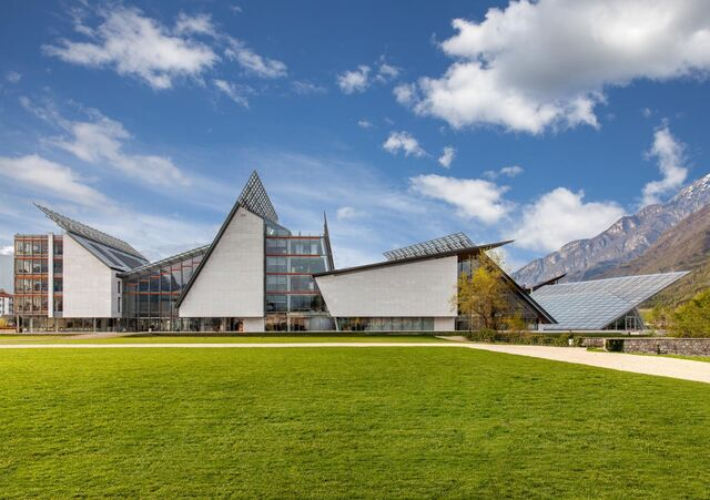 File:RealWorld Trento Science Center.jpg