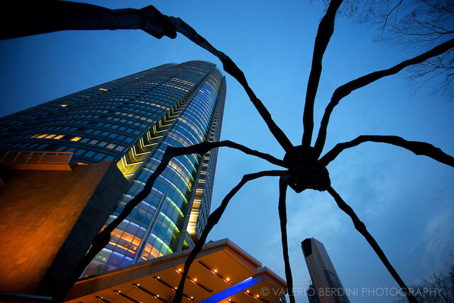 File:RealWorld Spider Statue.jpg