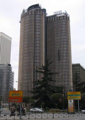 File:RealWorld Torre Europa.jpg
