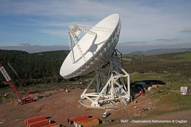 File:RealWorld Radio Telescope.jpg