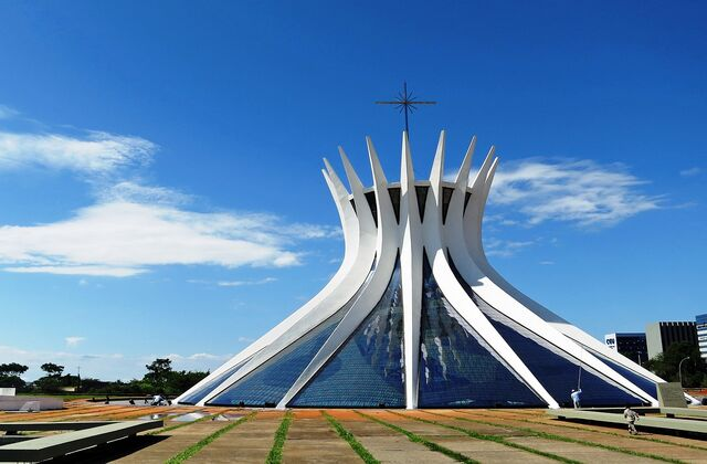 File:Cathedral of Brasília.jpg