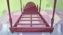 S2E1 Star's bed frame with no mattress