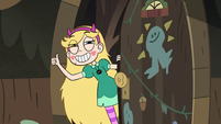 S3E5 Star Butterfly giving Buff Frog a thumbs-up