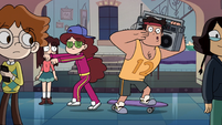 S2E41 Rafael and Angie dancing to hip-hop