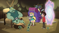 S2E28 Star Butterfly holding Buff Frog's letters