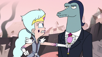 S3E7 Queen Moon points the powerless wand at Toffee's chest