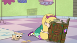 S2E25 Star Butterfly finds something interesting