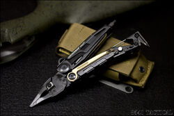 Leatherman MUT - Star Frontiers Pocket Tool