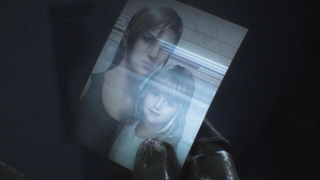 File:Sti-iceblonde-film-daughter-photo.jpg