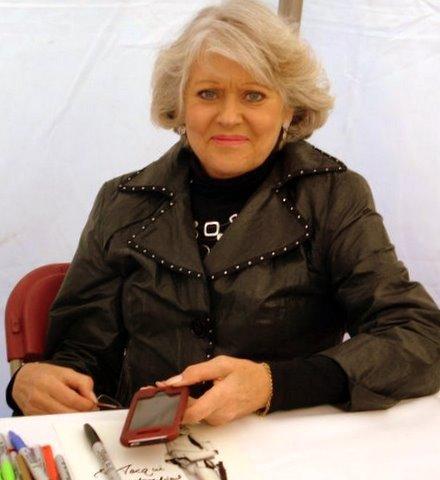 File:Pam Rose signing autographs.jpg