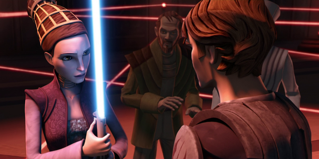 File:Padme uses lightsaber.png