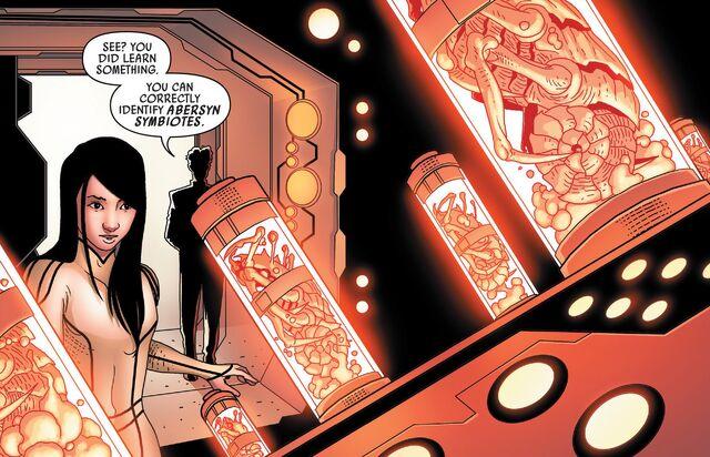 File:Toob Nix reveals to Aphra abersyn symbiotes.jpg