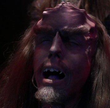 File:Klingon cranial ridges dissolve.jpg