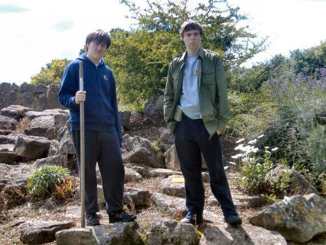 File:Puto and Lewis on Kressgon.jpg