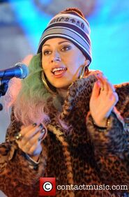 Courtney-rumbold-of-stooshe-performs-live-during 4166829