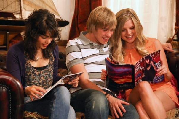 File:Mick amber and Amber House of Anubis.jpg