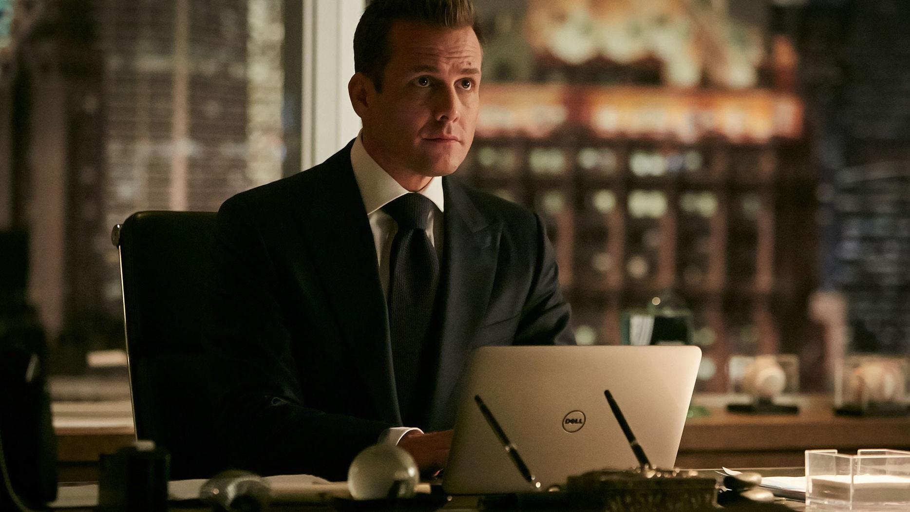 File:S06E06Promo13 - Harvey.jpg