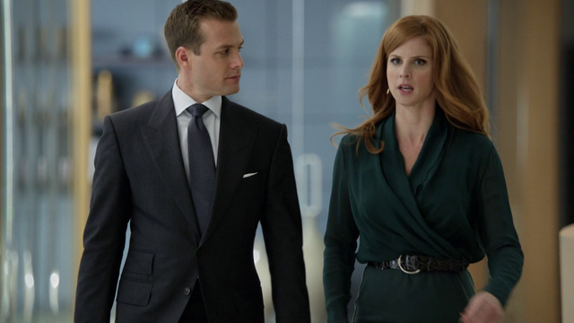 File:S02E12P00303 Harvey Donna.png