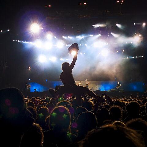 File:Metallica at Rock Werchter 2009 ♫♪.jpg