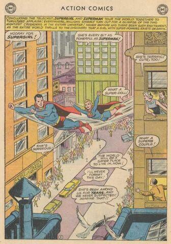 File:Supergirl on Tour.jpg