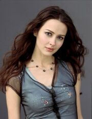 Amy-Acker-picture-Z1G168293 b