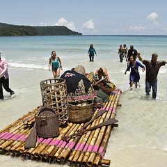 Bayon arriving on their beach.