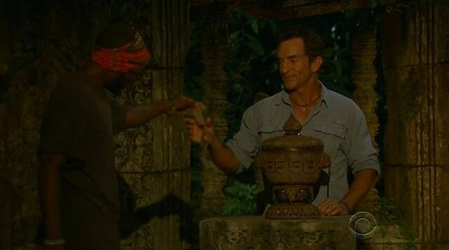 File:Jeremy 2nd hidden immunity idol cambodia.jpg