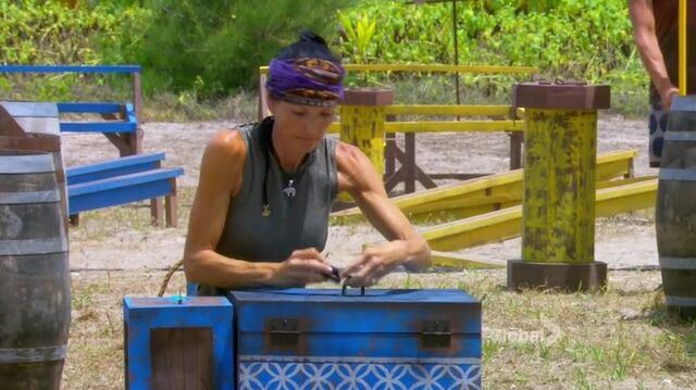 File:Survivor.s27e12.hdtv.x264-2hd 082.jpg