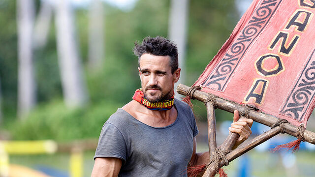File:Australian-Survivor-Episode-7-Barrel-Bridge-Reward-Challenge-Aganoa---Lee2.jpg