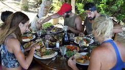 Australian-Survivor-Episode-19-Roast-Lunch-Reward---Contestants4