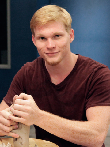 File:S02contestant-Ian.png