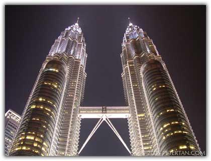 File:Petronas Towers.jpg