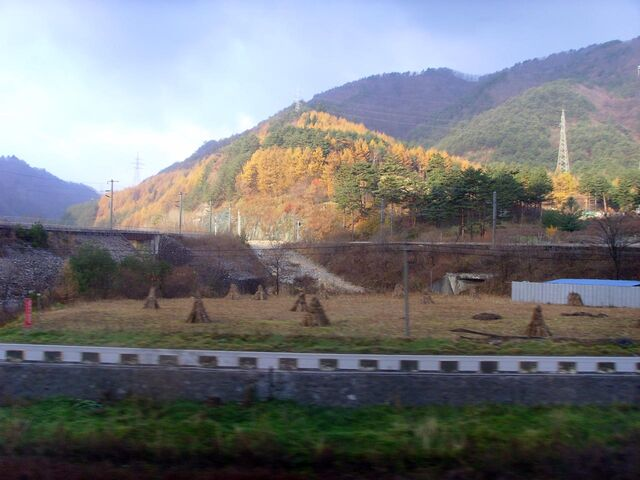 File:Korail Taebaek Triangle Line2.jpg