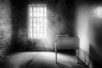 The-asylum-project-empty-bed-erik-brede