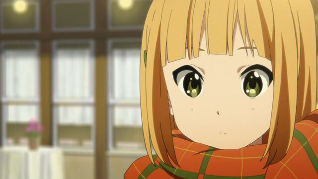 File:Midori close up scarf1.jpg