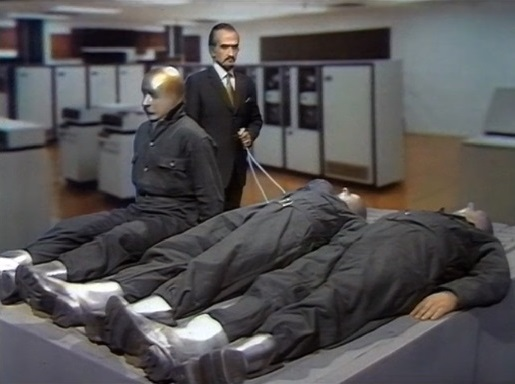 File:Master Revives Autons.jpg