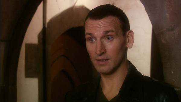 File:Ninth Doctor speaks to Stuart and Sarah.jpg