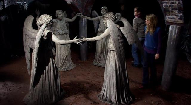 File:Weeping angels trapped.jpg