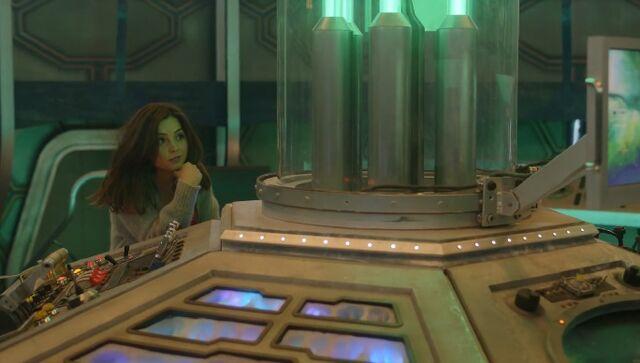 File:Clara & the Tardis.jpg