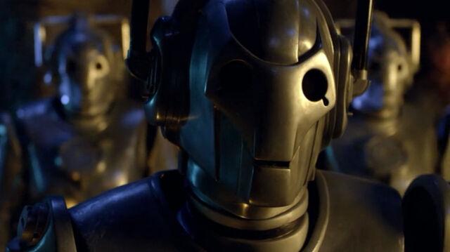 File:Cyberman underhenge close 1440.jpg