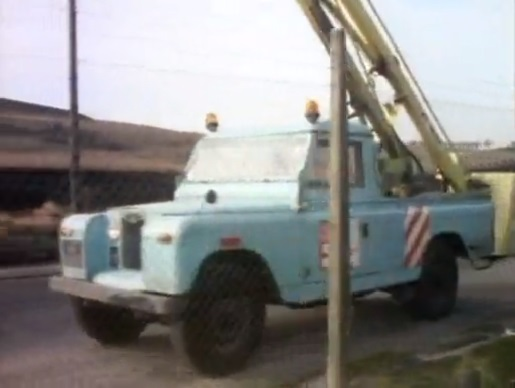 File:South Wales Electricity board Land Rover.jpg