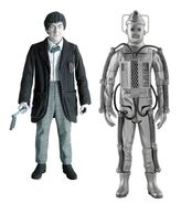 CO 5 Second Doctor and Cybermen B&W