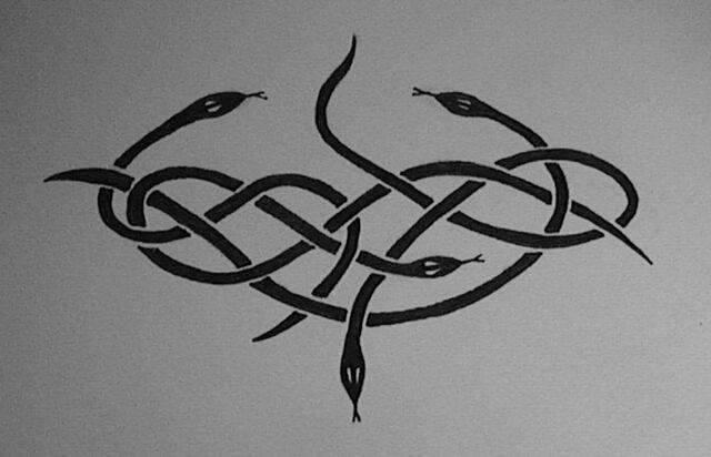 File:Snake tattoo by BeckyRowan.jpg