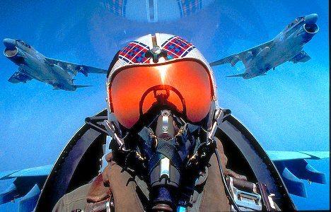 File:Military-jet-cockpit 4483.jpg