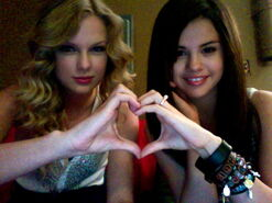 Taylor-and-selena-taylor-swift-and-selena-gomez-24350523-600-450