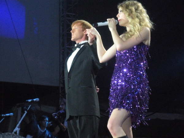 File:Taylor Swift - Fearless Tour - Foxboro 10.jpg