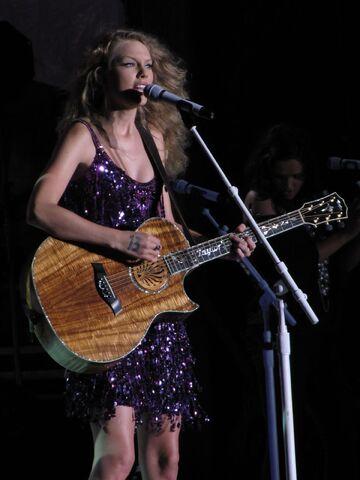 File:Taylor Swift Cavendish.JPG